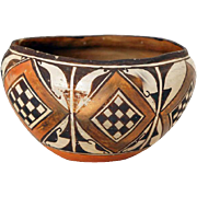Native American Acoma Polychrome Pueblo Pottery Bowl or Olla