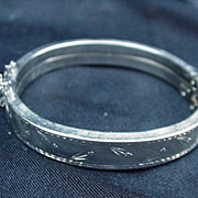 Vintage, Flower-Decorated Silvertone Bangle Bracelet