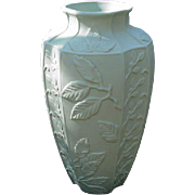 Fitz and Floyd Vase, The Botanical Collection, Essentials