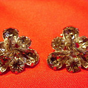 Smoky Gray Rhinestone Clip Earrings, Weiss
