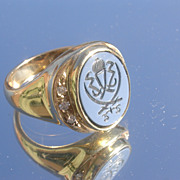 14kt. Vintage Agate (Crest) Engraved /Multi Diamond Gentlemen's Ring