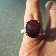 18kt Yellow Gold Vintage Oval Amethyst and Diamond Ladies Ring