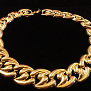 REDUCED Vintage Gold Tone Metal Articulated shaped Disc in leaf design.