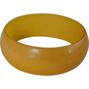 "SALE VINTAGE 1"" WIDE bakelite cream corn bangle bracelet"