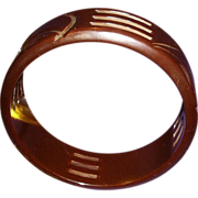 SALE VINTAGE BAKELITE bangle in chocolate brown carved and pierced