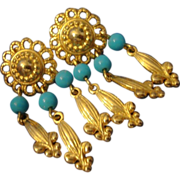 SALE VINTAGE FLEUR DES LIS Dangle post earrings in gold tone with turquoise beads