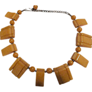 VINTAGE Art Deco Bakelite Necklace in butterscotch c 40s