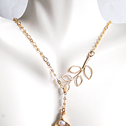 Gold Lariat Necklace -Pearl, Calla Lily and leaf Lariat Necklace- Wedding Jewelry - Bridesmaid