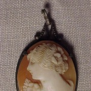 SALE Elegant Silver Shell Cameo
