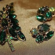 SALE Vintage Emerald Green Brooch Earrings Set  Rhinestone Jewel Tone Clip On