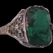 Vintage Emerald Green Rhinestone Ring