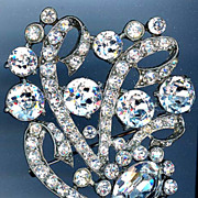 REDUCED Large Staret Clear Rhinestone Pin