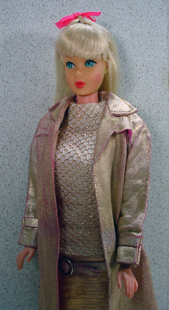 Mattel Standard Barbie Doll W Light Blond Hair In Intrigue