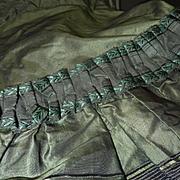 SOLD Splendid mid 19th C. French ladies black and green silk taffeta bodice jacket wasp waist