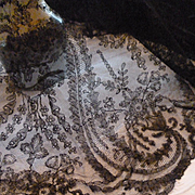 Rare 19th C. hand made grenardine silk Chantilly bobbin lace shawl :  Paisley :  cachemire bot
