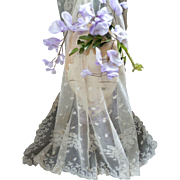 Pretty 19th century French cream tulle lace wedding veil : floral motifs