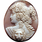 Museum quality cameo of Roma with lion