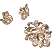 SALE Marvella Rhinestones and Ribbons Pin and Earring Set