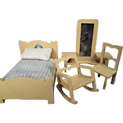 "German Dollhouse Furniture - 4 Piece Bedroom Set with Bedding - Small 1"" Scale"