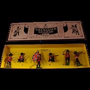 Britains New Metal Toy Soldiers 8810 Grenadier Guards MIB