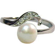 Sterling Silver Ring w/ Genuine Pearl & Diamonds A Sweetie!