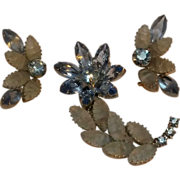 Flower pin earrings set  blue rhinestone crackled satin glass cabochon