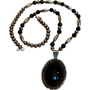 Native American sterling silver onyx beaded pendant necklace
