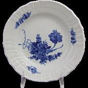 Royal Copenhagen Porcelain Denmark Blue Flowers Curved 1624 Plate