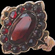Antique Bohemian Garnet & 9ct Gold Ring