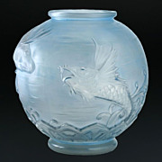 Late 1920s Early 1930s Large Pierre D'Avesn Lorrain (Paul Daum) Relief Moulded Molded Glass Fi