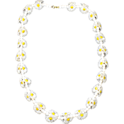 SALE Groovy Plastic Daisy Necklace