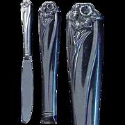 "1847 Rogers Bros. Silverplate Daffodil Pattern 9 & 1/2"" Dinner Knife"