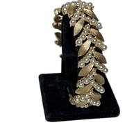 1930's - 1940's Trifari Brushed Faux Gold Leaves & Pearls Bracelet