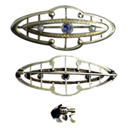 Fine 14K Yellow Gold Pin with Sapphire & Pearls