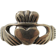 Vintage Sterling Silver Claddagh Band Ring