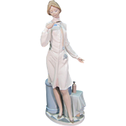 "Lladro Female Doctor Nurse Figurine #5197 Mint 13 1/2"" Tall Retired"