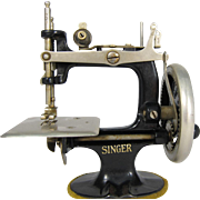 SOLD Vintage Portable Singer Child Sewing Machine Toy 1930s