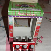 Enesco Budweiser 6-pack Bottles Salt and Pepper Shakers - b24