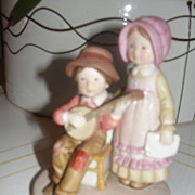 "Holly Hobbie Designer Collection ""Happy Days"" Figurine - b24"