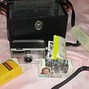 Kodak Instamatic Camera  No 104 with case - b47
