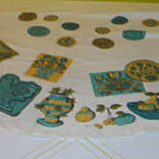 Turquoise Rooster with Gold Accent Round Tablecloth