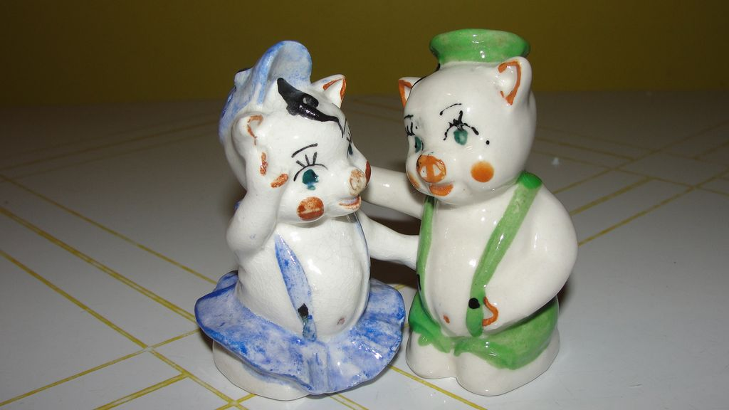 He Pig - She Pig Salt and Pepper Shakers