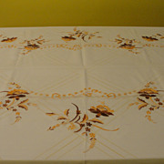 Golden Delight Embroidered Tablecloth with Napkins