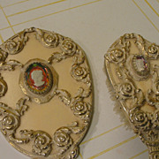 Guild Crest Cameo Brush and Mirror Set