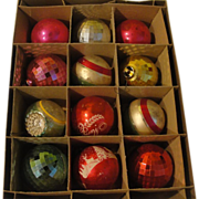Mix and Match Christmas Tree Ornaments in Shiny Brite Box - b149