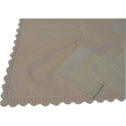 Embroidered, Crocheted and Drawn Thread Luncheon Cloth and Napkins - b162