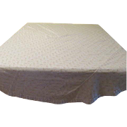 Eyelet and Ruffled Round Tablecloth - L1