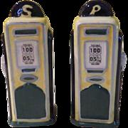 Gas Pump Salt and Pepper shakers - b178