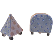 Odd Couple Pyramid and Arch Salt and Pepper Shakers - b179
