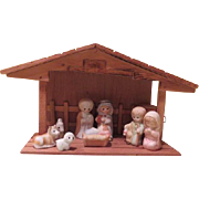 """Little Children 9 Piece Porcelain Nativity with """"Away in the Manger"""" Music Box - b18"""